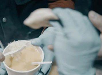 Zupa to nie tylko posiłek. To też okazja do rozmowy - dołącz do wolontariuszy!