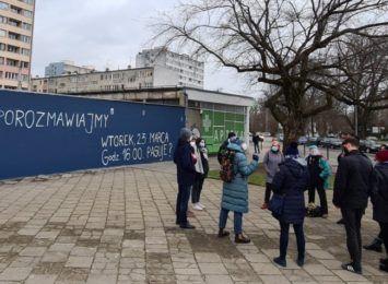 Ideologiczny spór na murze przy ul. Gajowickiej: zorganizowano spotkanie dla mieszkańców