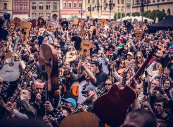 Już za miesiąc Gitarowy Rekord Świata na żywo i w sieci! Ruszyła rejestracja uczestników imprezy we Wrocławiu