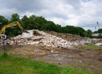 Rozpoczęło się wyburzanie kompleksu basenów olimpijskich