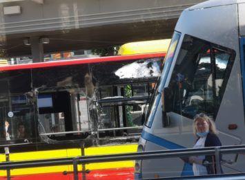 Wypadek na pl. Grunwldzkim. Tramwaj uderzył w autobus