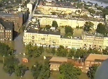 Powódź tysiąclecia: wspomnienia mieszkańców i prezydenta Bogdana Zdrojewskiego