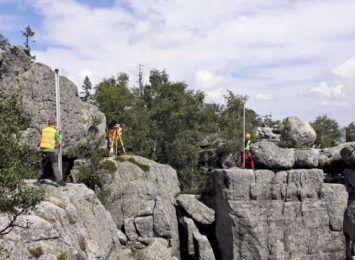 Szczeliniec Wielki w Górach Stołowych jest wyższy o 3 metry!