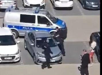 Polijant strzelił, kierowca uciekł. Mężczyzna wciąż jest poszukiwany